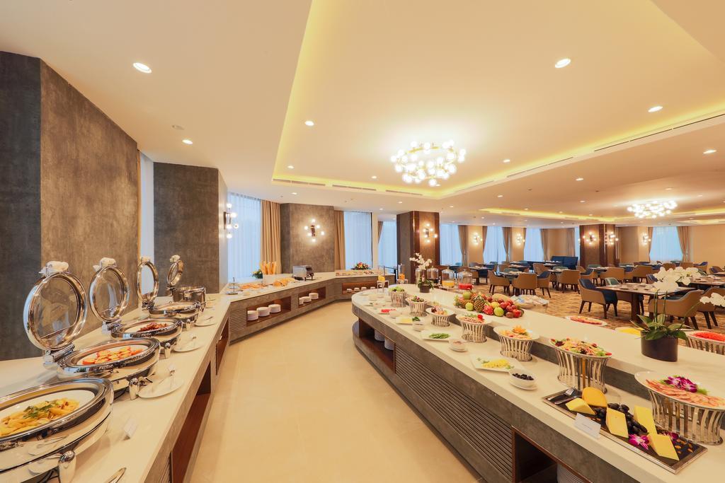 Nhà hàng Deli với nhiều món ăn phong phú luôn sẵn sàng phục vụ mọi thực khách