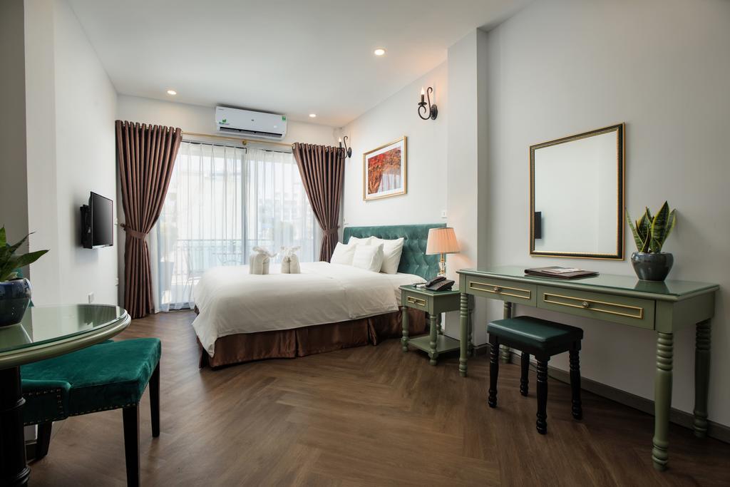 Phòng nghỉ với nội thất cao cấp, gam màu nhã nhặn đem đến cảm giác thoải mái cho khách hàng