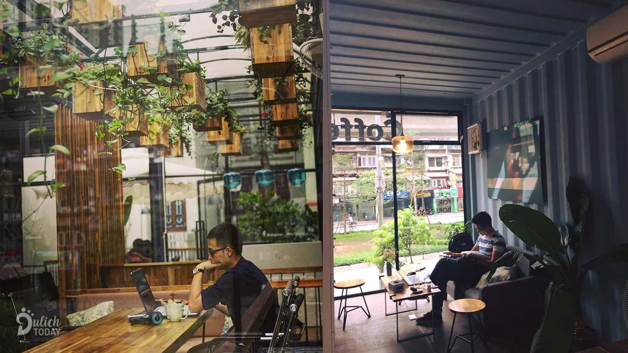 Adapter Cafe cung cấp tiện nghi để bạn có thể sử dụng laptop làm việc tại bất cứ góc nào